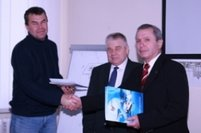 Awarding the thousandth certificate in the Aviation Training Center